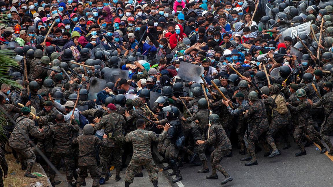 媒體假裝看不見「難民闖關」